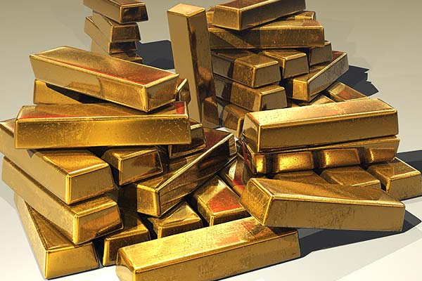 Gold worth Rs 43 crore seized at New Delhi railway station, 8 arrested